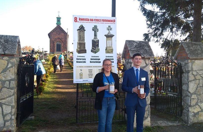Na cmentarzy w Spytkowicach zbierano pieniądze na renowację kolejnych nagrobków