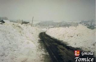Zima w gminie Tomice na przełomie lat 70. i 80.