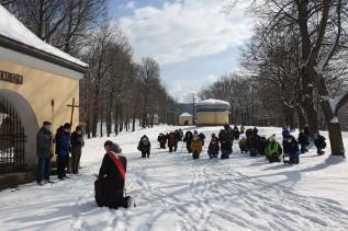 Błagalne modlitwy na kalwaryjskich Dróżkach o ustanie pandemii