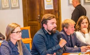Burmistrz Mateusz Klinowski potwierdził na ostatniej sesji radnym, że gmina wybuduje drogę do Maspeksu