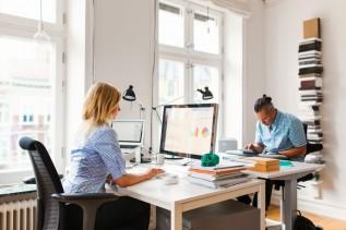 Co wybrać: laptop czy komputer stacjonarny do pracy zdalnej?