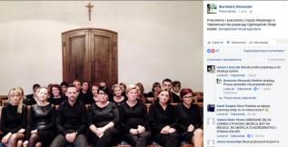 #CzarnyProtest w Wadowicach pod krzyżem. Burmistrz zrobił zdjęcie i chwali się na Facebooku