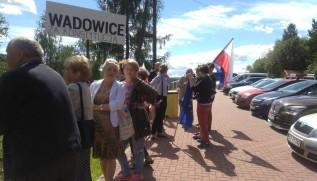 Grupa mieszkańców razem z Ewą Całus protestowała na zaporze przeciwko Beacie Szydło