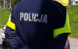 Drogówka eskortowała rannego turystę z Mucharza do Wadowic. Uratowali mu życie, upadł na kamień