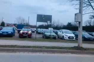 Parking w Wadowicach przy ulicy Sienkiewicza