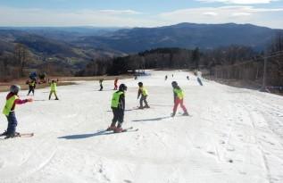 Dzieciaki z kilku gmin w powiecie będą mogły pozjeżdżać na nartach... legalnie
