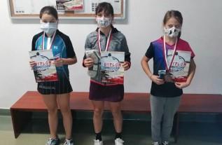 Dziewczęta z tomickiego klubu idą jak burza w zawodach badmintona. Znowu na podium!