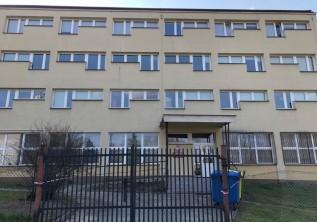 Ośrodek w Kalwarii Zberzydowskiej to miejsce przeznaczone do kwarantanny osób przybywających z miejsc ogarniętych epidemią