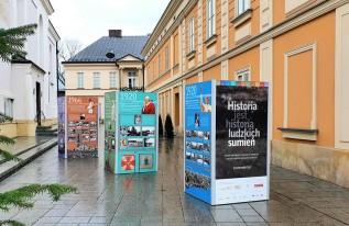 """Mobilna wystawa rozpoczyna swoją """"przygodę"""" od Wadowic"""