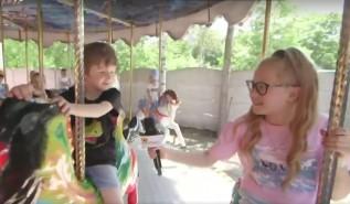Lenka i Marcel testowali Zatorland. Dziecięcy youtuberzy są dziś na topie