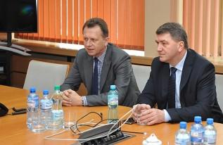 Politycy PO, marszałek Jacek Krupa i prezydent Janusz Chwierut na spotkaniu w Oświęcimiu