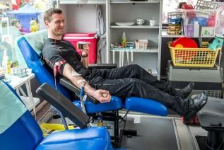 Motoserce bez zlotu na rynku w Wadowicach, krew oddadzą w remizie w Choczni