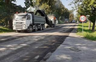 Na krajówce w Kleczy zdejmują asfalt. Do kiedy potrwa następny remont drogi w regionie?