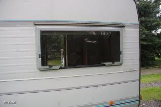 Zbóje dostali się do kampingu przez okno