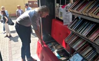 Obwoźna biblioteka pomknie ulicami andrychowskich wsi? W środku nie tylko książki!