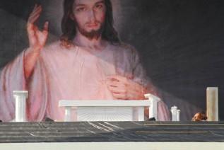 Ołtarz trzech papieży z krakowskich Błoni powróci do Zakrzowa