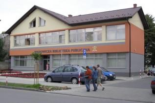 Otwarli bibliotekę w Wadowicach, ale tego się nie spodziewali. Efekt pandemii?