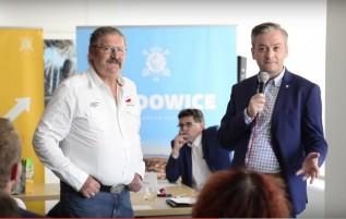 Rajmund Pollak i Robert Biedroń na debacie w Wadowicach