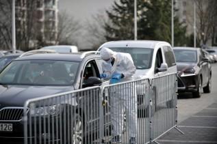 Ponad połowa Polaków obawia się czwartej fali COVID-19