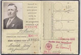 Poszukują rodziny więźnia Auschwitz. Zachowały się po nim pamiątki