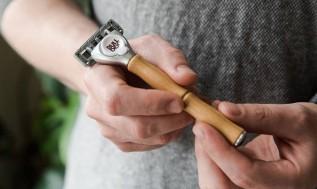 Bulldog Skincare For Men - Maszynka do golenia z bambusową rączką (1)