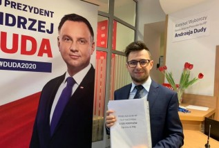 Filip Kaczyński, poseł z Wadowic też zbierał podpisy