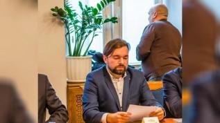 Radny Mateusz Klinowski, były burmistrz w latach 2014-2018