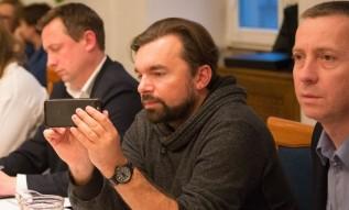 """Radny Klinowski straci ważną funkcję w Wadowicach. """"Tego rodzaju zachowanie dyskwalifikuje"""""""