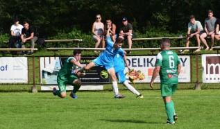 Tymczasem w derbach gminnych Żarku Barwałd i Cedronu Brody drużyny podzieliły się punktami.