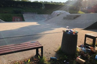 Skatepark w Andrychowie potrzebuje porządnego sprzątania