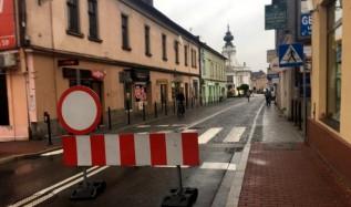 Burmistrz Kinowski zamknął ruch w rynku z naruszeniem obowiązujących przepisów - wynika z analizy starostwa
