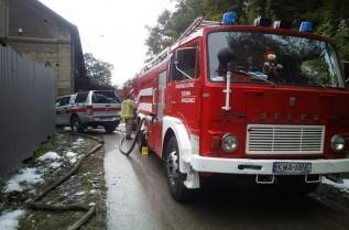 """Strażacy z Jaroszowic chcą pozbyć się starego """"jelonka"""". Służył do wyjazdów 44 lata"""