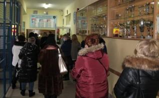 Nauczyciele tłoczyli się w szkole w Andrychowie