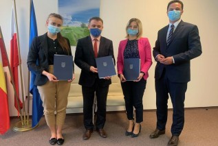 Umowy podpisano w Departamencie Funduszy Europejskich w Krakowie