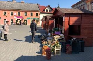Plac Kościuszki w Wadowicach zamienił się wtymczasowe targowisko