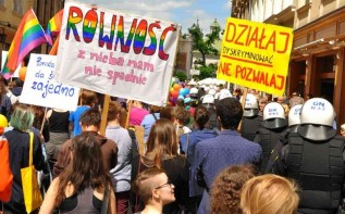 Uchwały anty-LGBT pod sąd. Rzecznik Praw Obywatelskich będzie interweniował