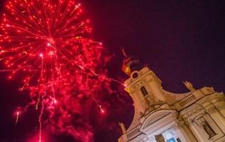 Sylwestrowy pokaz fajerwerków w Wadowicach