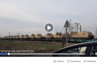 Transport sprzętu wojskowego nagrany w Ryczowie