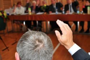 Wybory samorządowe po nowemu? PiS wycofuje się z niektórych zmian i wprowadza inne pomysły