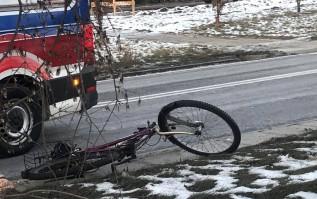 Wypadek na obwodnicy w Wadowicach. Nie żyje potrącony rowerzysta